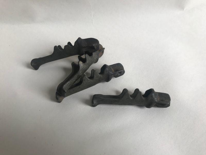 画像1: 樹液採取用金具 サップバケツ/メープルバケツ用パーツ (1)